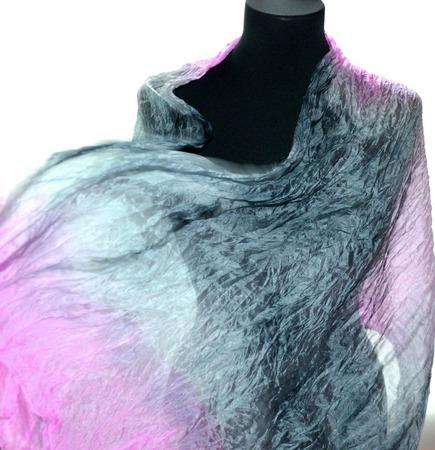 Серо розовый шелковый шарф ручная окраска, натуральный шёлк ручной работы на заказ