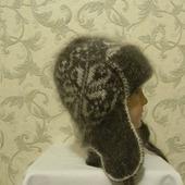 Серая шапочка с белым орнаментом и маленькими ушками