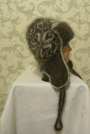 Серая шапочка с белым орнаментом и маленькими ушками ручной работы на заказ