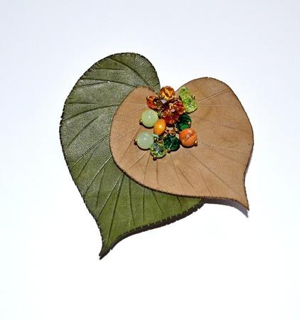 """Брошь из кожи ручной работы """" Листья"""" натуральная кожа ручной работы на заказ"""