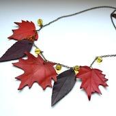 Осеннее колье кленовые листья, кожа фурнитура бронзового цвета