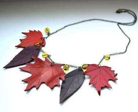Осеннее колье кленовые листья, кожа фурнитура бронзового цвета ручной работы на заказ