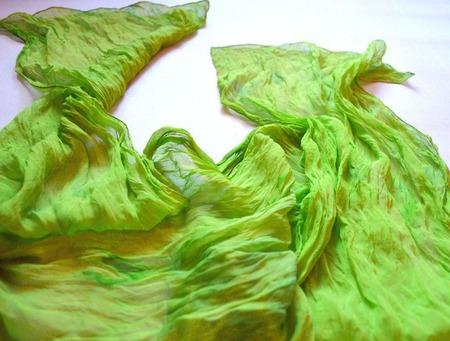 Шарф  шелковый салатовый лайм greenery ручная окраска полупрозрачный ручной работы на заказ