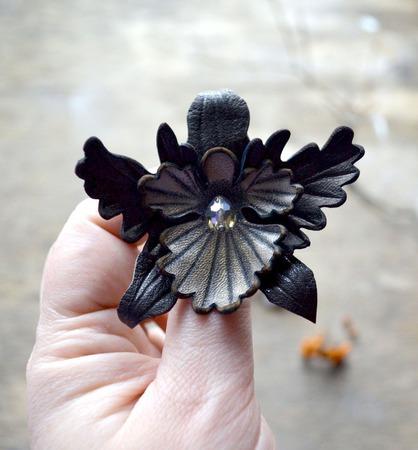 Брошь цветок, коричневая кожаная брошь орхидея кожаная брошь и заколка ручной работы на заказ