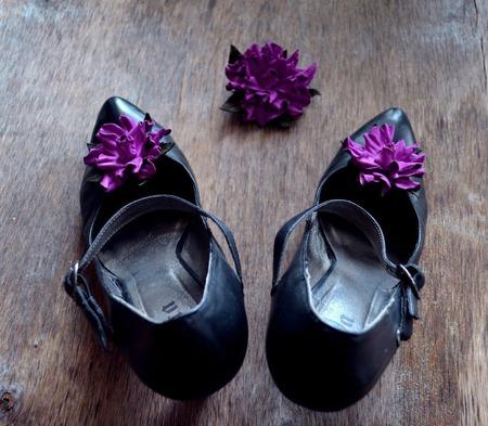 Клипсы для туфель и брошь, натуральная кожа цвета фуксии ручной работы на заказ