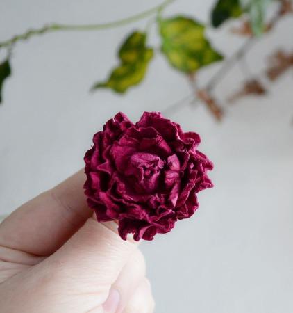 Кольцо малиновый цветок роза кольцо роза  роза купить кольцо ручной работы на заказ