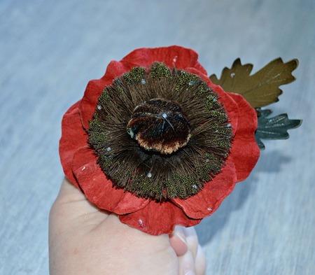 """Брошь-заколка цветок из натуральной кожи """"Мак""""  украшение, кожа кра ручной работы на заказ"""