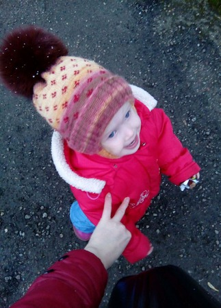 Шапка детская вязаная с помпоном ручной работы на заказ