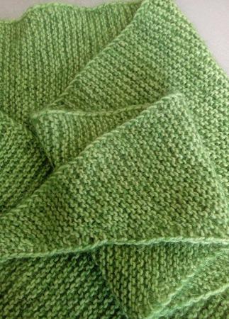 Шарф бактус вязаный Зелёный лес ручной работы на заказ