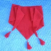 Бактус вязаный Красный мак с кистями