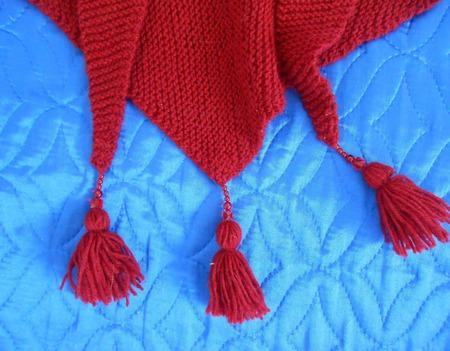 Бактус вязаный Красный мак с кистями ручной работы на заказ