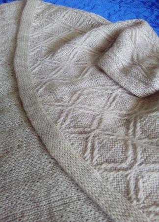 Кардиган-накидка для девочки ручной работы на заказ