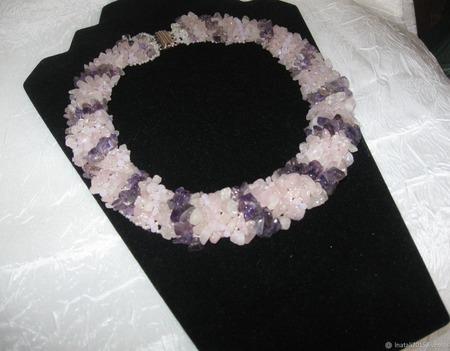 Колье из розового кварца и аметиста ручной работы на заказ