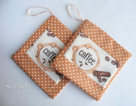 """Прихватки 2 шт. для кухни набор """"Кофейный аромат"""" коричневые ручной работы на заказ"""
