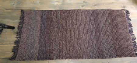 Вязаный коврик коричневый с бахромой ручной работы на заказ