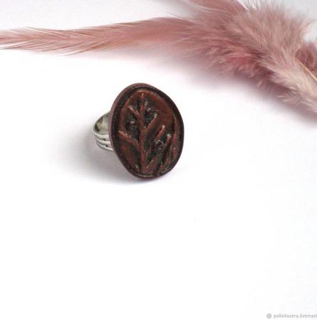 """Кольцо безразмерное """"Зимние ягоды"""" бордовое отпечаток растения ручной работы на заказ"""