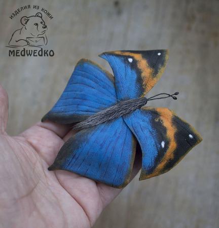 Брошь из кожи Бабочка Каллима ручной работы на заказ