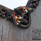 Брошь из кожи Бабочка Крапивница