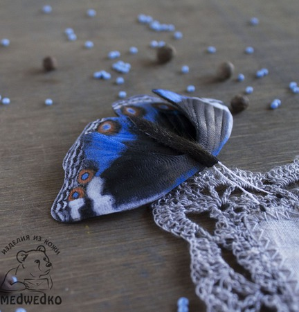 Брошь из кожи Бабочка Blue Pansy-2 ручной работы на заказ