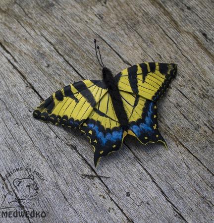 Брошь из кожи Бабочка Махаон Южный ручной работы на заказ