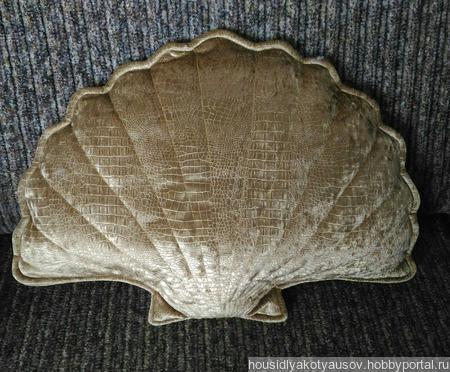 Декоративная подушка Ракушка ручной работы на заказ