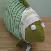 Декоративная подушка Рыба-бабушка