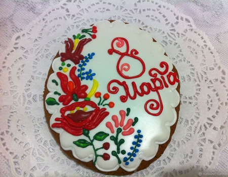 Акция! Пряник 8 марта Овал Цветы на белом ручной работы на заказ