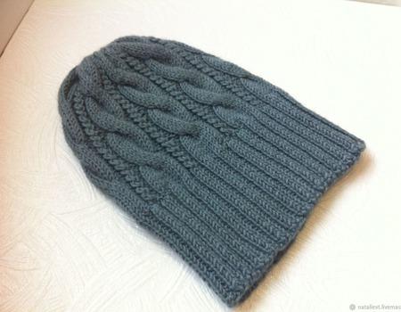 Серая шапка с косами ручной работы на заказ
