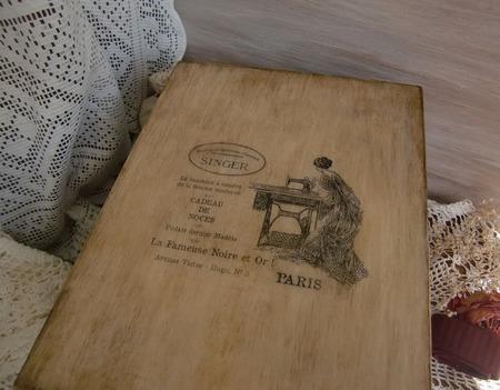 "Шкатулка  для рукоделия ""Бабушкино наследство"", декпаж ручной работы на заказ"