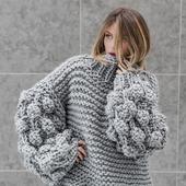 Дизайнерский вязаный свитер оверсайз ручной вязки