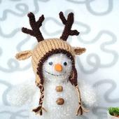 Снеговичок в оленьей шапке