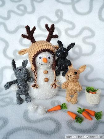 Снеговичок в оленьей шапке ручной работы на заказ