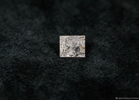 "Кварц ""Снежная королева"", огранёная вставка ручной работы на заказ"