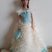 Воздушное платье для куклы Барби.