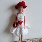 Белоснежное платье и шляпка