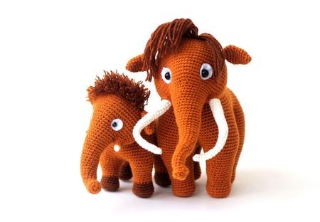Мамонты вязаные семья   (вязаные игрушки мамонты/мамонтята) в подарок ручной работы на заказ