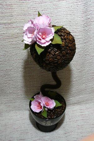 Кофейный топиарий с цветами ручной работы на заказ