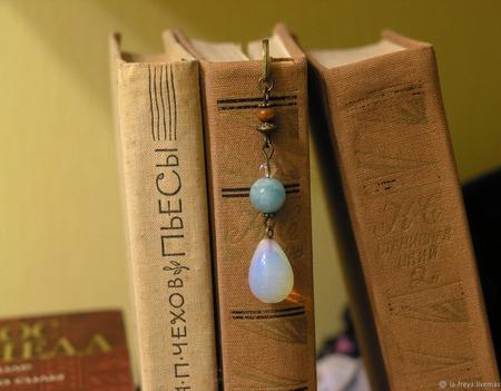 Женственная - закладка для книг ручной работы на заказ