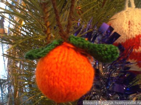 Вязанный новогодний шар Мандаринка ручной работы на заказ