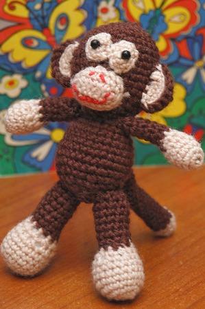 Вязаная крючком игрушка Маленькая обезьянка ручной работы на заказ