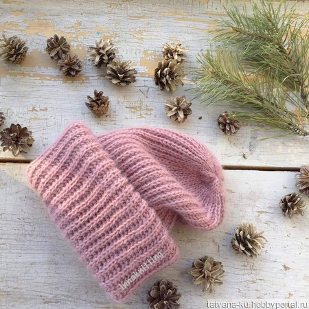 Женская шапочка ручной работы на заказ