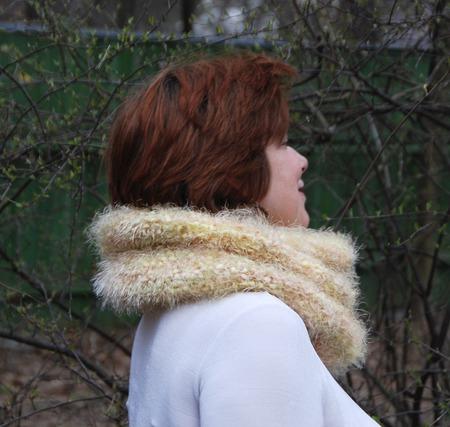 """Снуд-шарф  легкий весенний """"Пушистик"""" (полиамид) ручной работы на заказ"""