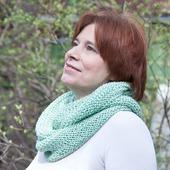 фото: Вязаные спицами женские шарфы и шарфики (хлопок с вискозой)