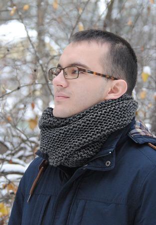 Мужской шарф-снуд черно-серый меланж  (полушерсть) ручной работы на заказ