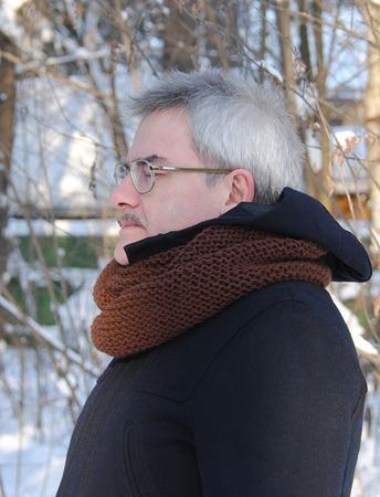 Мужской шарф-снуд коричневый (полушерсть) ручной работы на заказ