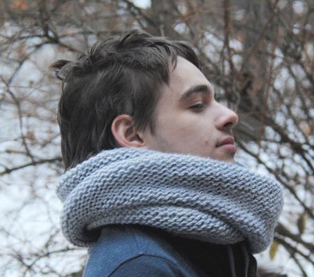Мужской шарф-снуд светло-серый (полушерсть) ручной работы на заказ