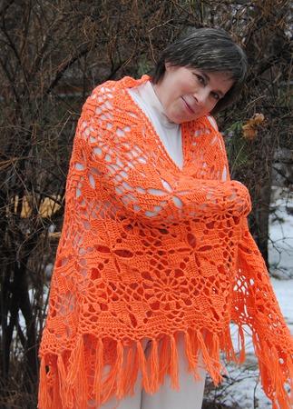 """Шаль яркая оранжевая  """"Мандаринка"""" (полушерсть) ручной работы на заказ"""