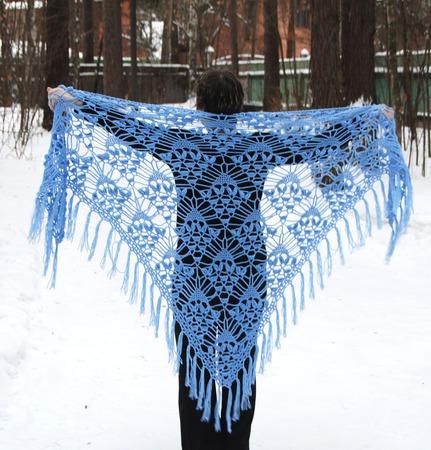 """Огромная шаль """"Чародейка"""" голубая из полушерсти ручной работы на заказ"""
