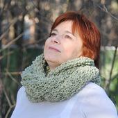 """Снуд-шарф  букле св-оливковый """"Фантазия"""" (полушерсть)"""