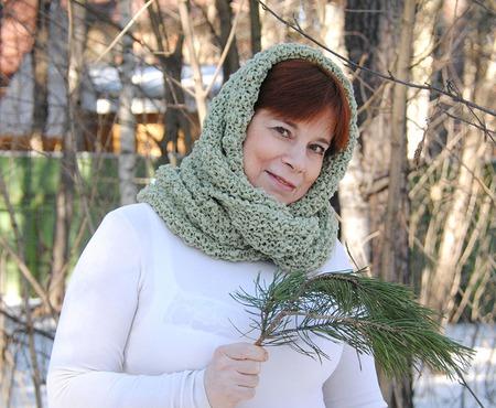 """Снуд-шарф  букле св-оливковый """"Фантазия"""" (полушерсть) ручной работы на заказ"""